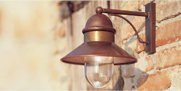 Plafoniere Da Esterno In Ottone : Illuminazione da esterni il borgo