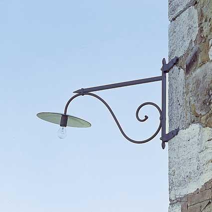 Illuminazione da esterni montalcino - Lampioni in ferro battuto da esterno ...